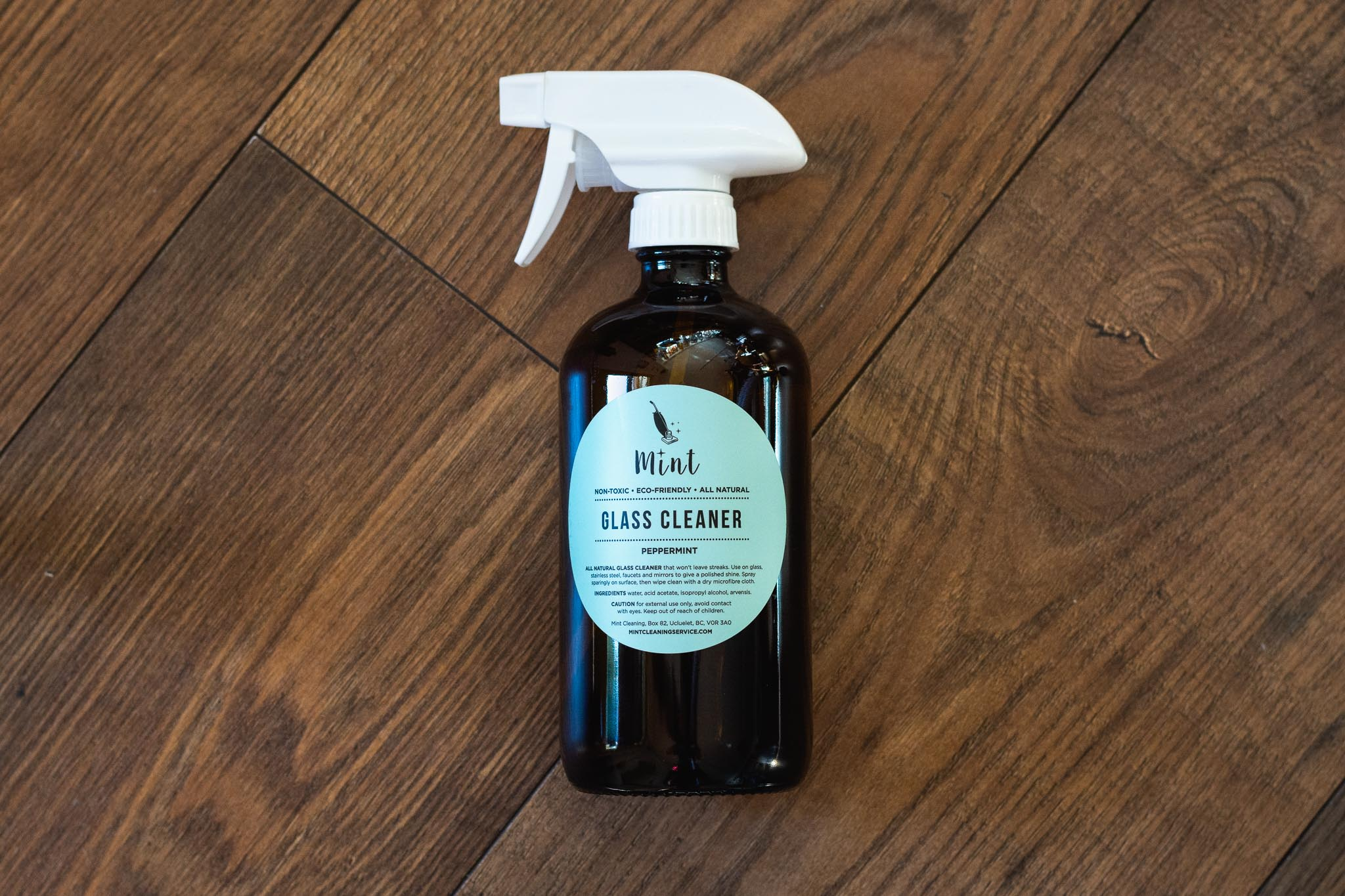 Glass Cleaner by Mint Cleaning Service